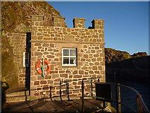 NT6779 : Coastal East Lothian : I Spy Merlons....... by Richard West