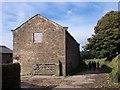 SJ9890 : Barn on Ernocroft Lane by Raymond Knapman