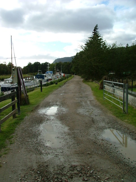 Towpath by the Caledonian Canal at Dochgarroch by Dave Fergusson