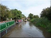SO9262 : Narrowboat heading north to Bridge 33 by Christine Johnstone
