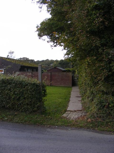Footpath to Halesworth Road