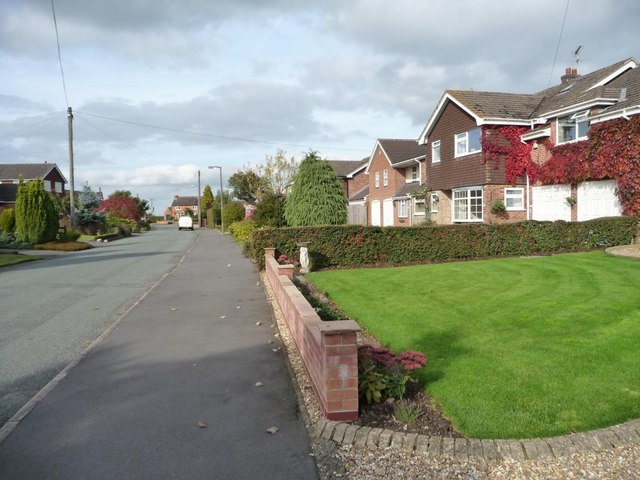 Houses on Bushton Lane, Anslow