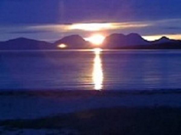 Sunset silhouette - The Paps of Jura