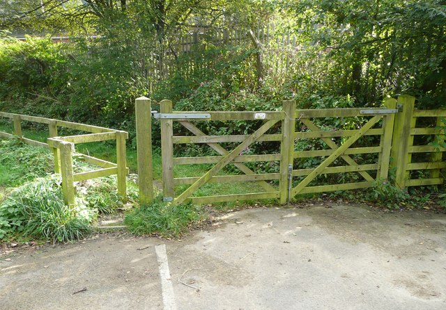 Gate and stile on Hebden Royd FP54