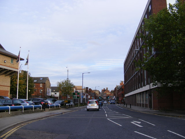 A4280 Dame Alice Street, Bedford