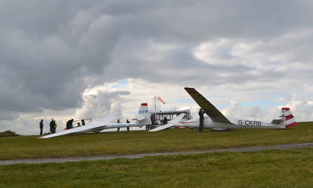 Glider day station on Abney Moor