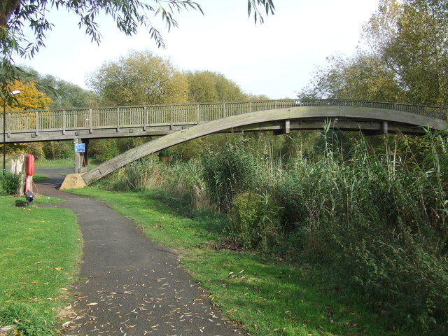 Path by the river, Bedford