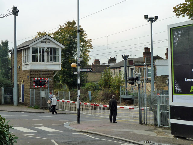 Level crossing and signal box, Highams Park