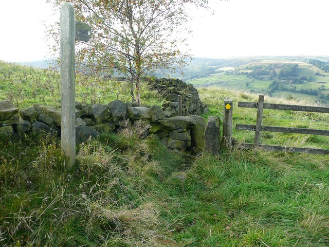 Stile, waymark and footpath sign on what should be Hebden Royd FP59