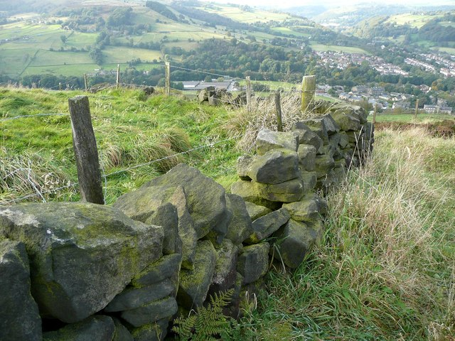 Broken wall and fence on Hebden Royd FP59