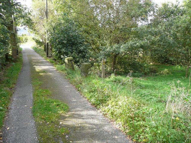 Footpath junction, Scout Bottom Lane