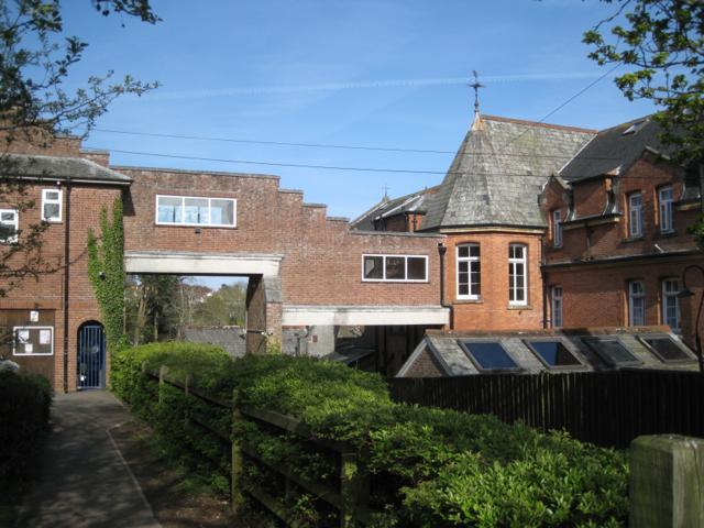 Trinity School, footpath at the Farm Lane entrance