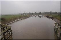 TQ0004 : Dull day on the river Arun by Julian P Guffogg