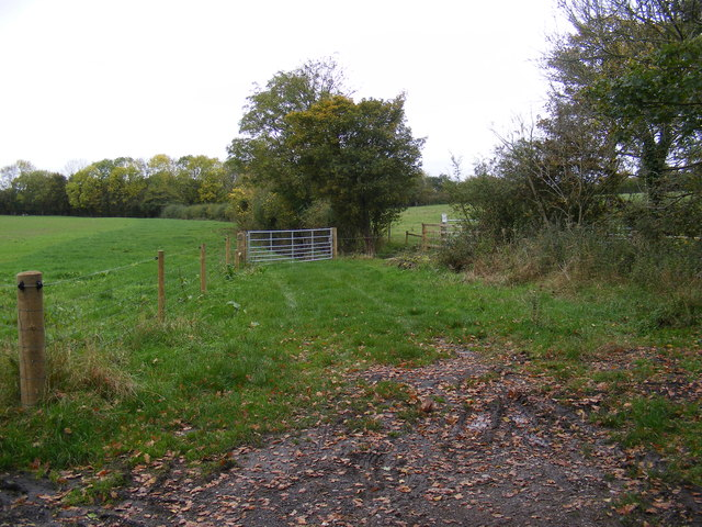 Field entrance near the Bridleway to Sibton Road