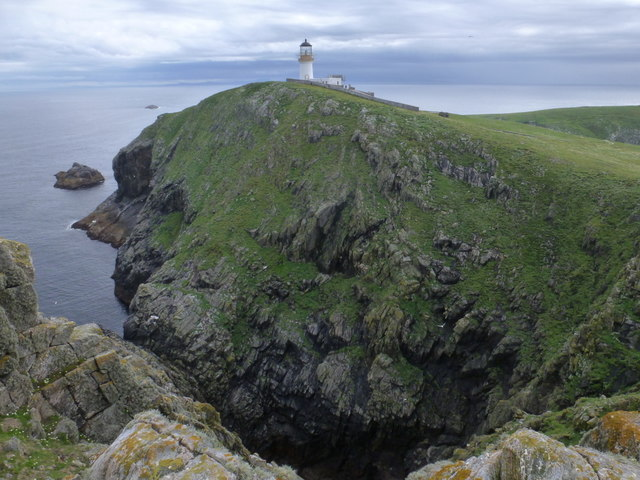 Flannan Isles: lighthouse and northern cliffs