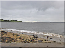 NZ3668 : Mouth of the River Tyne by Pauline E