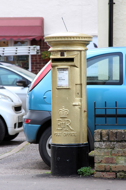 Gold Post Box, Robin Hood Road