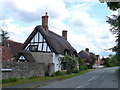 SP0642 : Thatched Cottage on Manor Road by Nigel Mykura