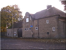 SE1421 : The Gatehouse, at the end of Shepherds Thorn Lane by John Slater