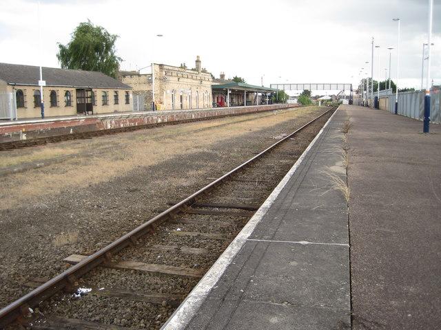 boston railway station  lincolnshire  u00a9 nigel thompson cc