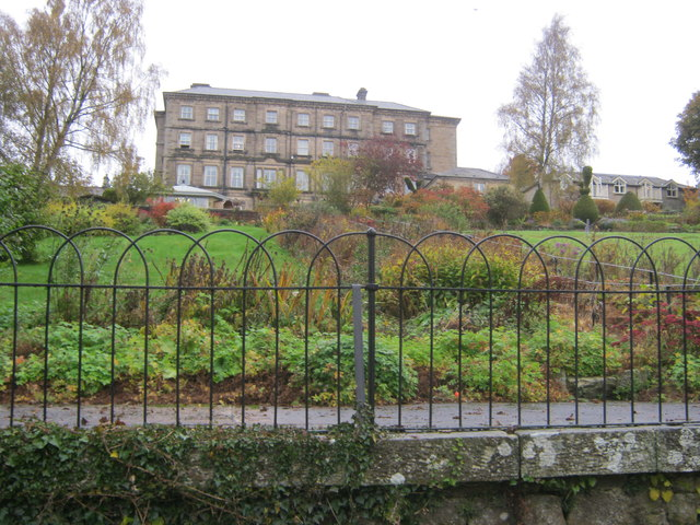 Riverside gardens for Rothbury House