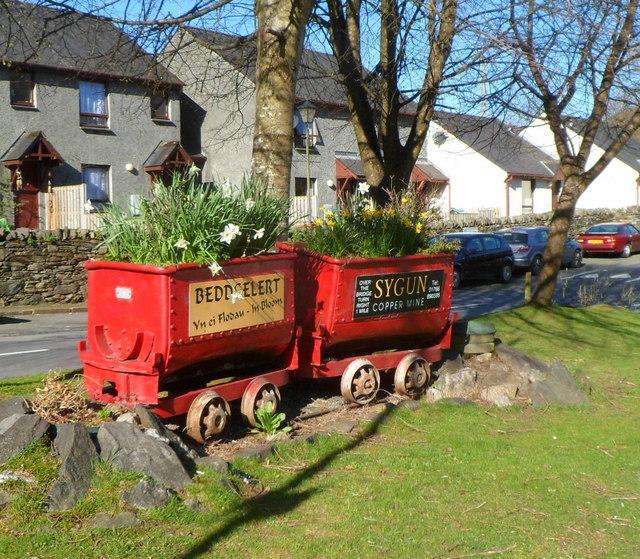Red former mining trucks, Beddgelert