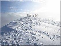 NH1462 : Summit, Fionn Bheinn by Richard Webb