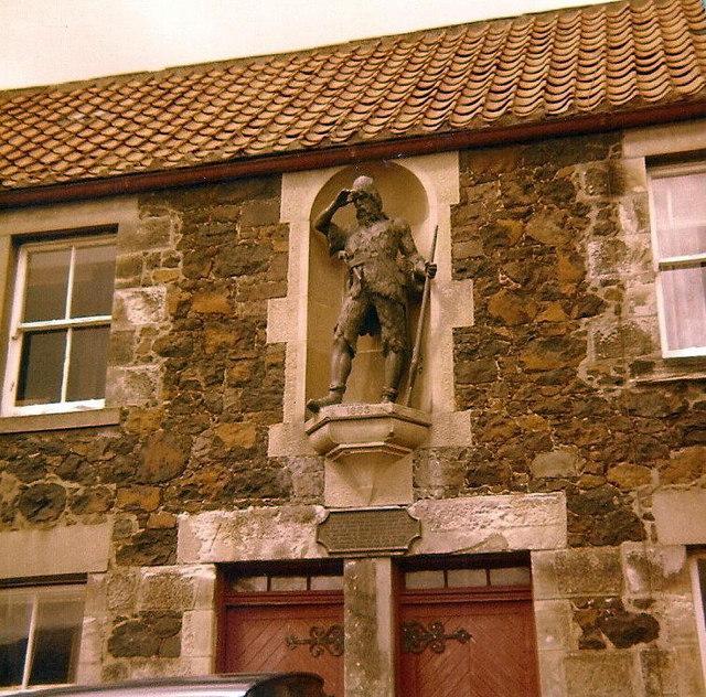 Statue of Alexander Selkirk by Elliott Simpson