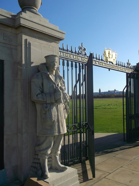 Statue and Gate, Chatham Naval Memorial