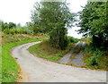SO3725 : Access road to Pentwyn Farm by Jaggery