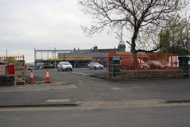 Entrance to building site for new mosque, Mansfield Street
