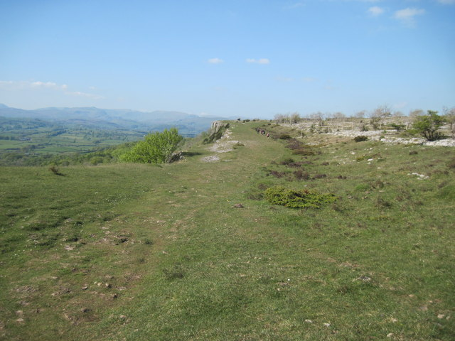 Heading  north  on  Scout  Scar