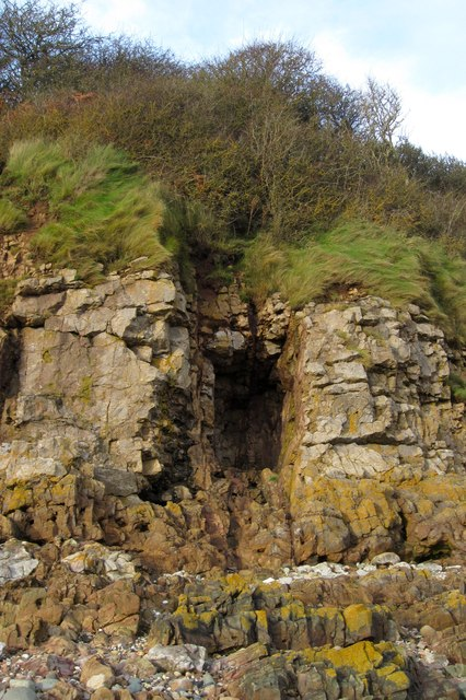 A small cave at Hodbarrow Point