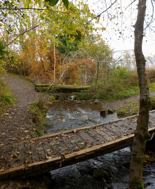 Footbridge over the Glen Burn