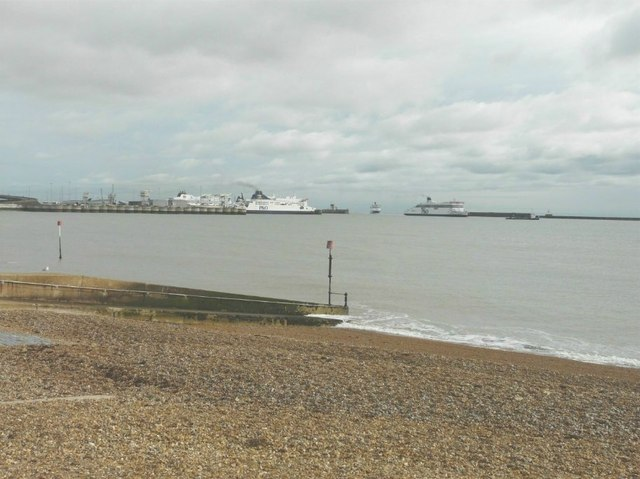 Ferry Manoeuvres at Dover's Eastern Docks