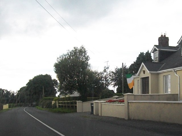 Houses on the R162 between Kilberry and Walkinstown