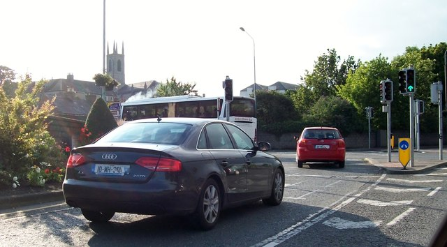 Traffic turning from the Kells Road on Circular Road, Navan