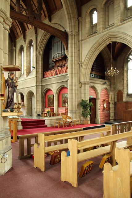 All Saints, Campbell Road - Interior