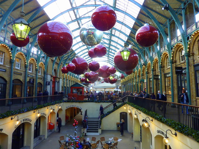 Christmas Decorations At Covent Garden 169 Pam Fray Cc By Sa
