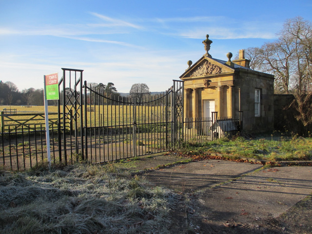 Blackgates Lodge and gates