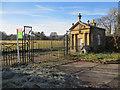 SJ2562 : Blackgates Lodge and gates by John S Turner