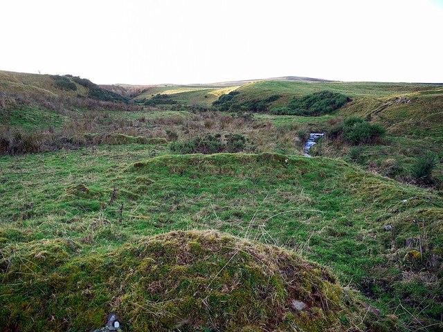 Remains of building beside burn, Old Middleton