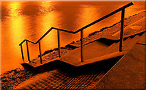 TA0225 : Steps to the Humber by Andy Beecroft