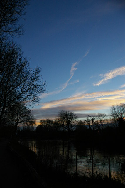 Waddon Ponds, winter late afternoon
