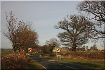 SE3513 : Approaching Notton Grange by Graham Hogg