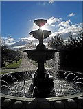 TQ2882 : One of the many fountains in Regents Park by Steve  Fareham