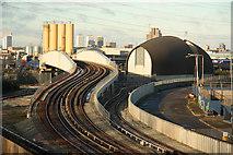 TQ3980 : Docklands Light Railway by Richard Croft