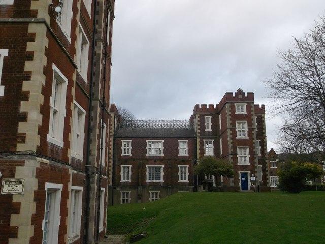 Block 14 of Springfield University Hospital