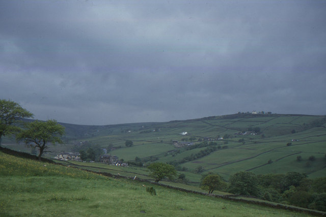 Stanbury, near Haworth: looking up the valley from Hob Lane