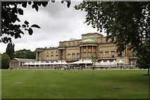 TQ2879 : Buckingham Palace by Martin Addison